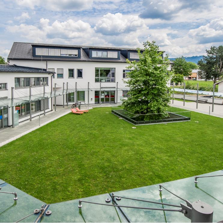 Bild-Innenhof.png